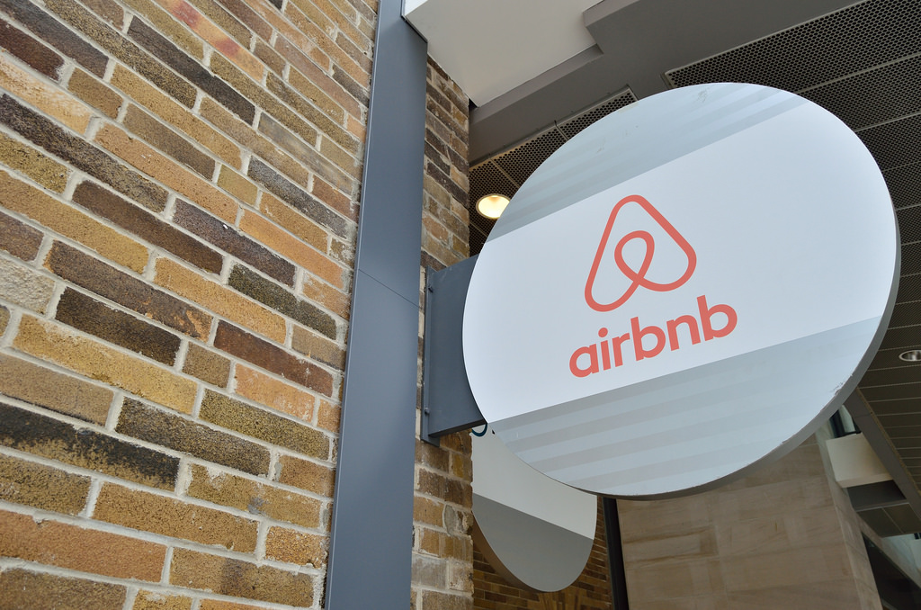 What's Behind Airbnb's $31B Valuation? - WealthLab
